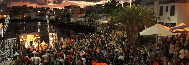 El concierto Conexión Canarias reúne en el Charco de San Ginés a lo mejor del pop-rock canario contemporáneo