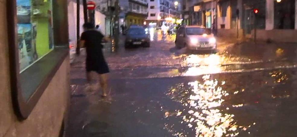 El Cabildo de Lanzarote recomienda suspender todas las actividades extraescolares y todas aquellas que se realicen al aire libre debido a la alerta por lluvias a partir de las 22.00 horas