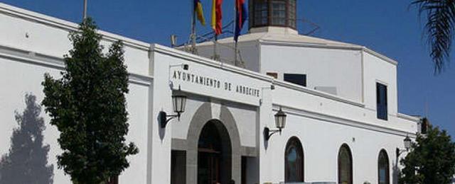 El Ayuntamiento de Arrecife se compromete a realizar las mejoras urbanas necesarias en torno al colegio La Destila antes de finalizar las obras del mismo
