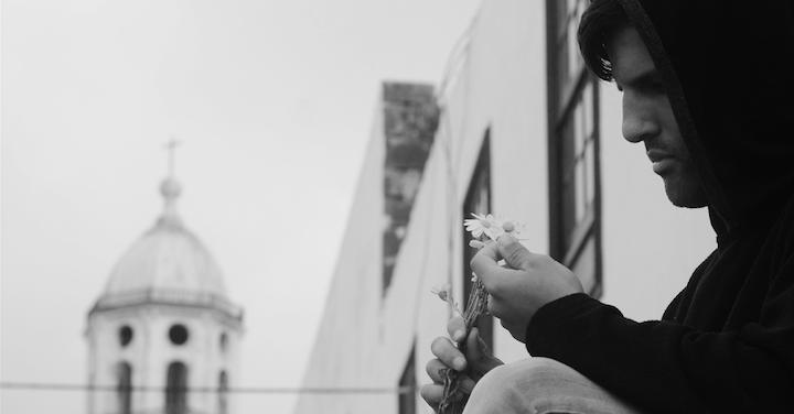 """""""Su ropa con la mía», de Alberto Ramos, y «Carta a mi amor propio», de Usoa Ibarra, ganadoras del concurso Cartas de Amor y Desamor Los Novios del Mojón"""