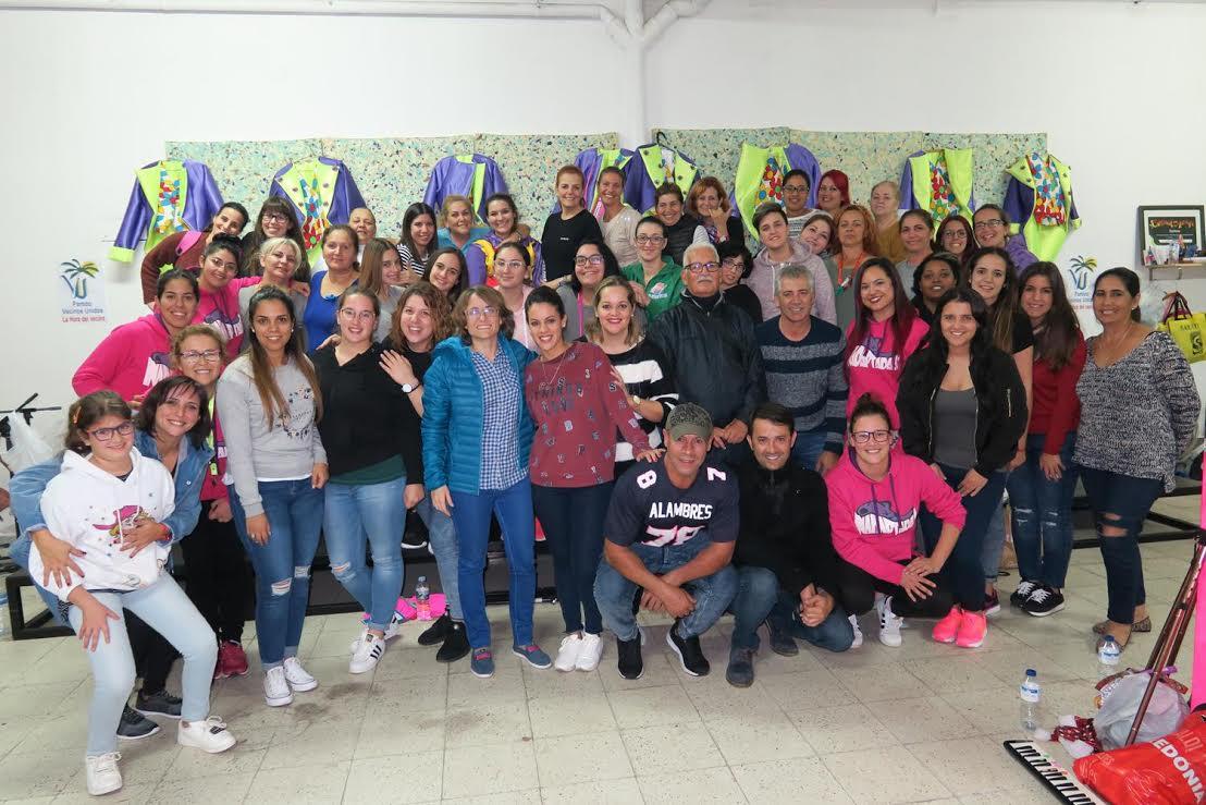 La alcaldesa de Arrecife y varios concejales visitan a las murgas que participan en el Carnaval