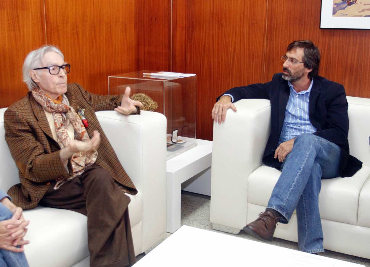 Cabildo, Gobierno canario, Ayuntamiento de Tías y el propio artista abordan la creación del 'Museo Pepe Dámaso' en Lanzarote