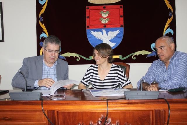 Arrecife firma el protocolo para crear una Universidad Popular