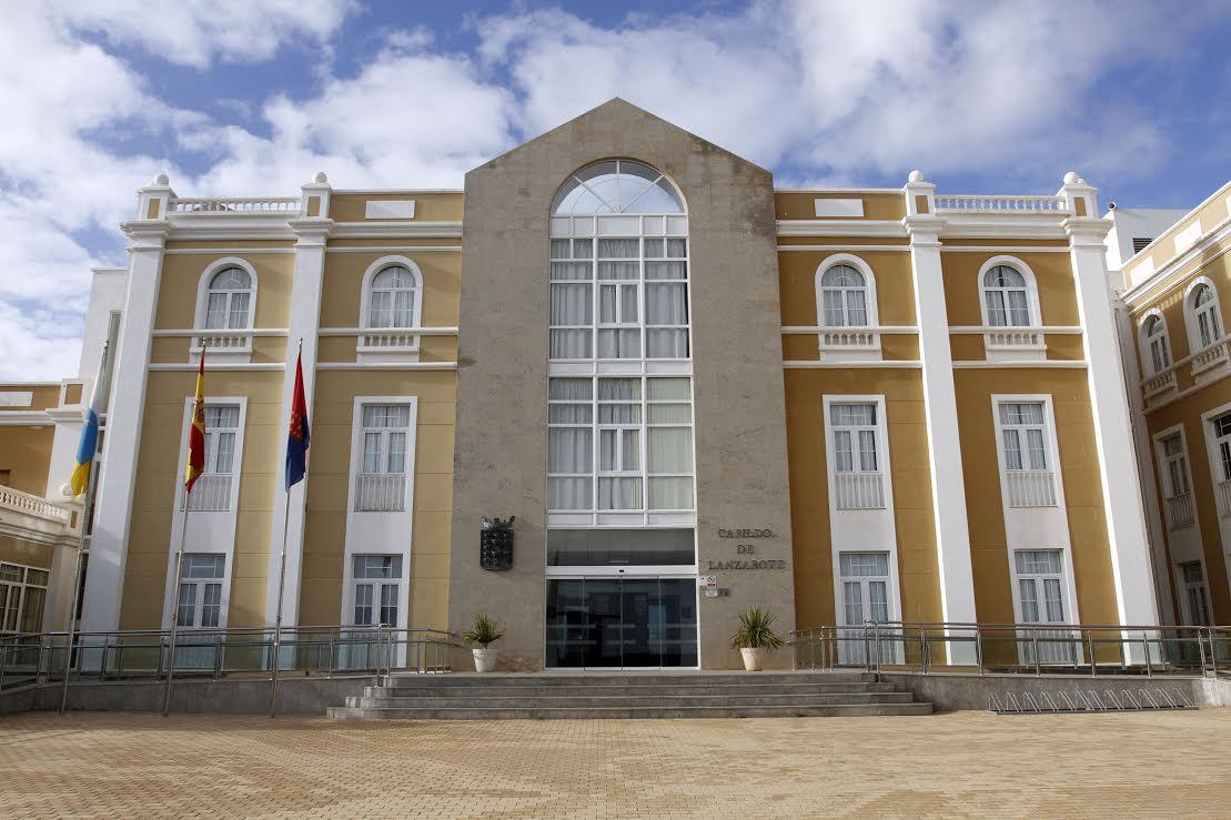 El Cabildo de Lanzarote se suma a la iniciativa de Ecoembes para conmemorar el 'Día Mundial del Reciclaje'
