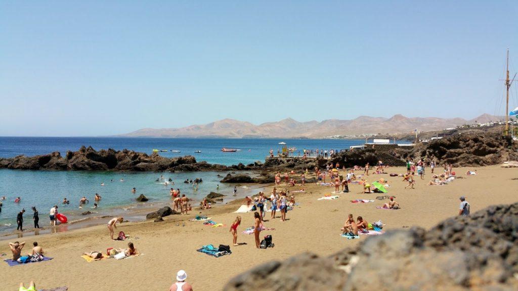 """Cerrada al baño la Playa Chica por """" contaminación de corta duración"""""""