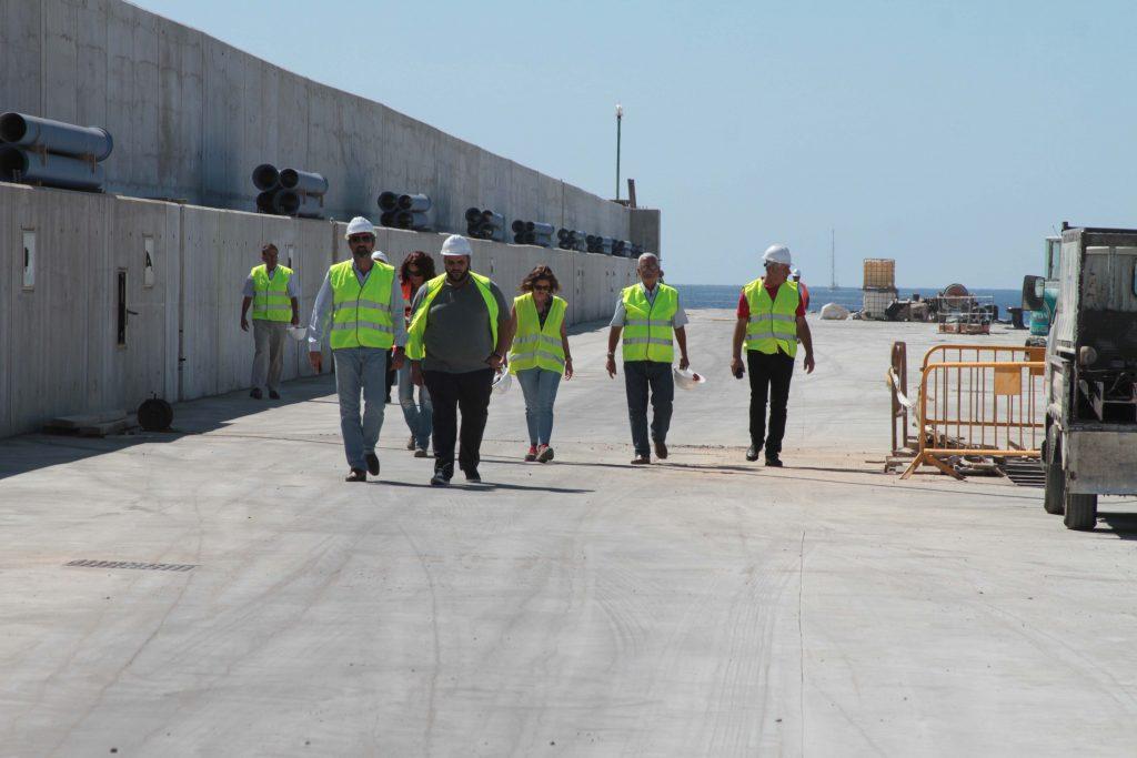 La ampliación del muelle de atraque de Los Mármoles, prevista en la primera fase de mejora del Puerto de Arrecife, a punto de concluir