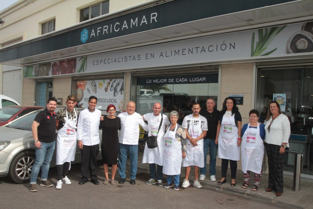 Ava-Africamar hace entrega del pescado y otros productos del mar que se cocinarán en el VI Concurso de Cocina 'De la mar al caldero'