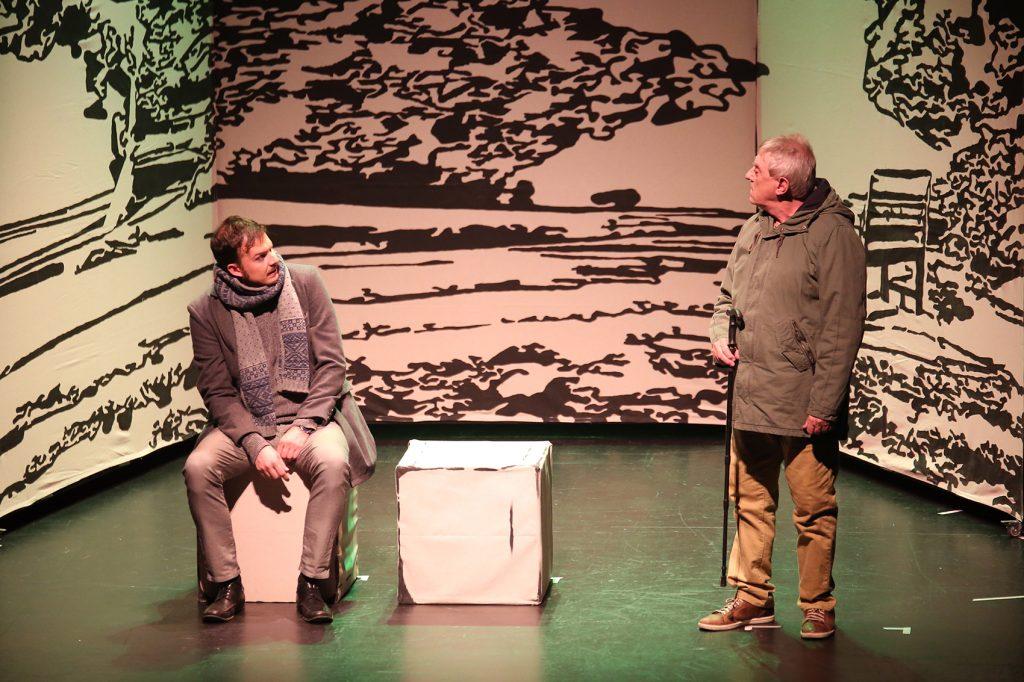 La locura, como evasión y refugio, se sube a las tablas en los Premios Réplica con 'La charca inútil', de Platónica Teatro