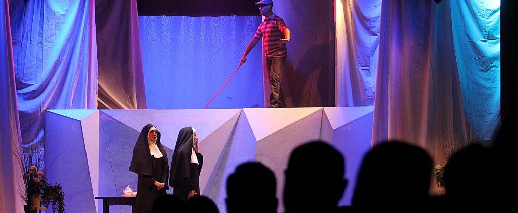 Llenazo en las dos funciones de la obra de Antonio San Juan en el Teatro Municipal de Tías