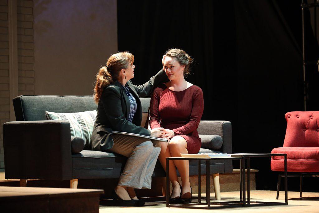 'Siempre Alice', de Drama Producciones, lleva la dureza del Alzhéimer a la muestra final de los Premios Réplica de las Artes Escénicas