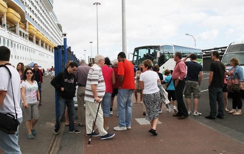 Turismo Lanzarote reforzará mañana jueves, día 30 de noviembre, los puntos de información turística ante la llegada récord de cruceristas a Arrecife