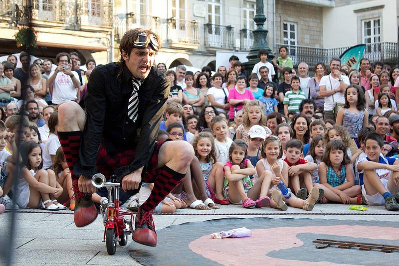 La actuación del clown Peter Punk se traslada al domingo 28 de enero a las 17.00 horas, por la previsión de fuertes vientos el sábado