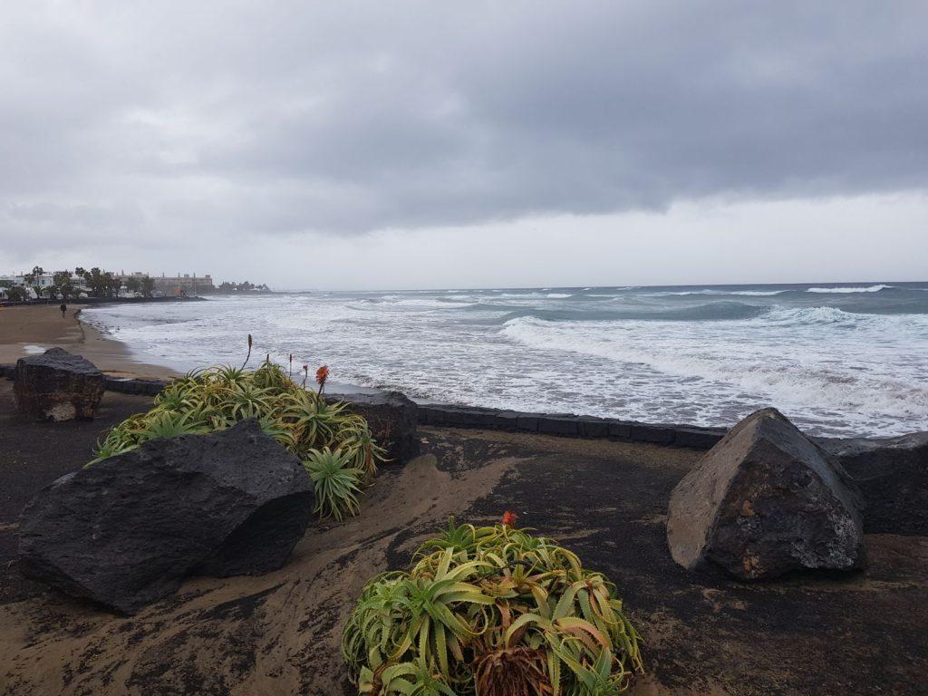 Tías decreta la suspensión de todas las actividades en instalaciones municipales, por la evolución de la tormenta Enma