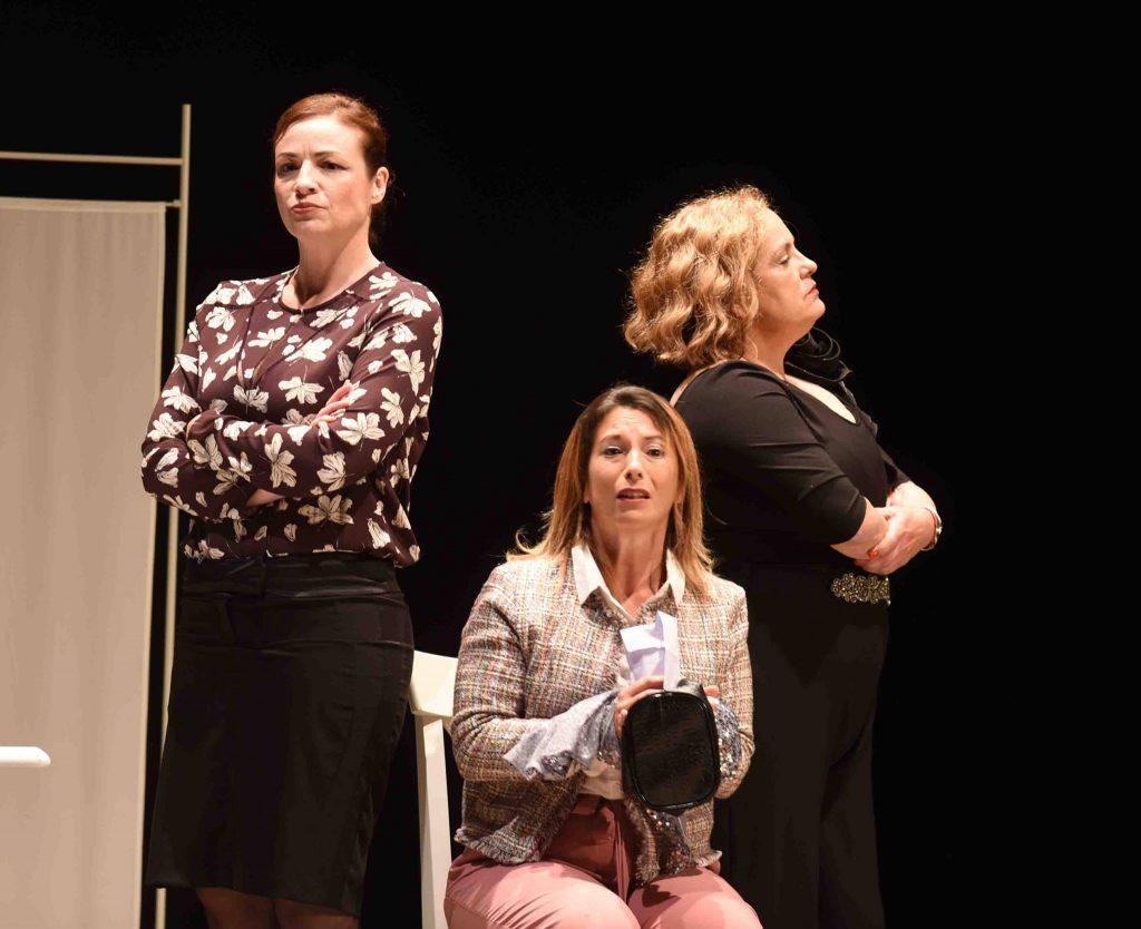 El Teatro en pie aplaudió anoche la representación teatral de Prudencia a cargo de Comi-K Teatro.
