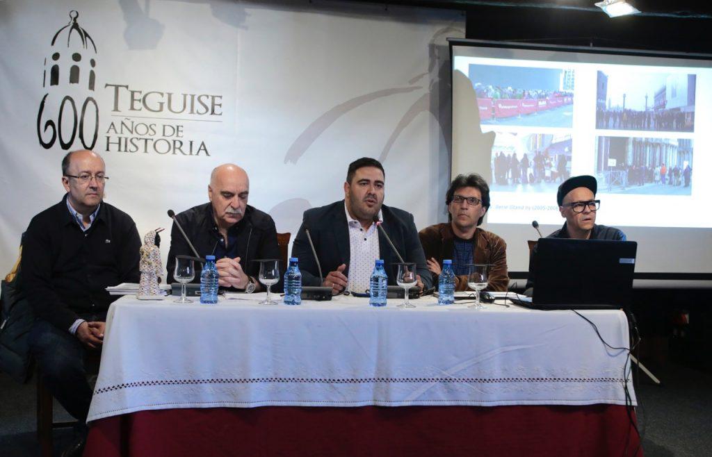 La convivencia entre turistas y ciudadanos, a debate en Teguise