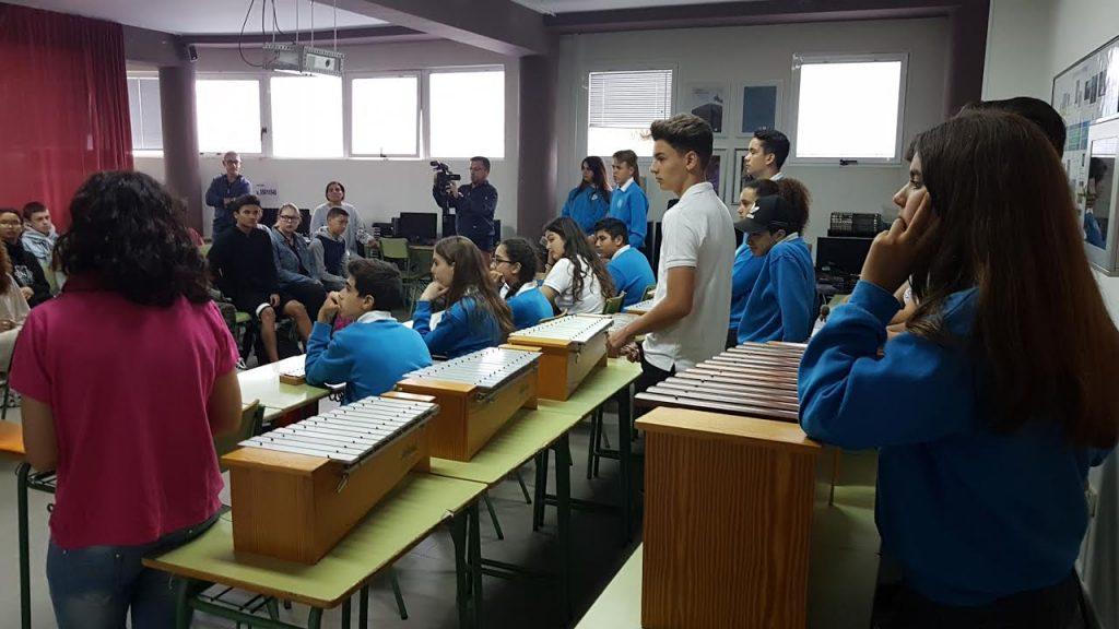 El silbo gomero entra en los institutos de Tías y Puerto del Carmen