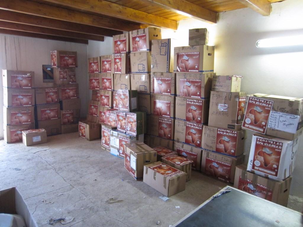 El Cabildo de Lanzarote entrega este año cerca de 2.000 pares de zapatillas solidarias donadas por los lanzaroteños para los jóvenes más desfavorecidos de Guinea Ecuatorial