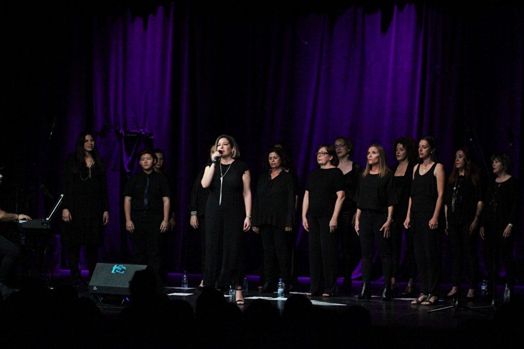 El Teatro de Tías vibra con la actuación de Lanzarote Gospel Choir