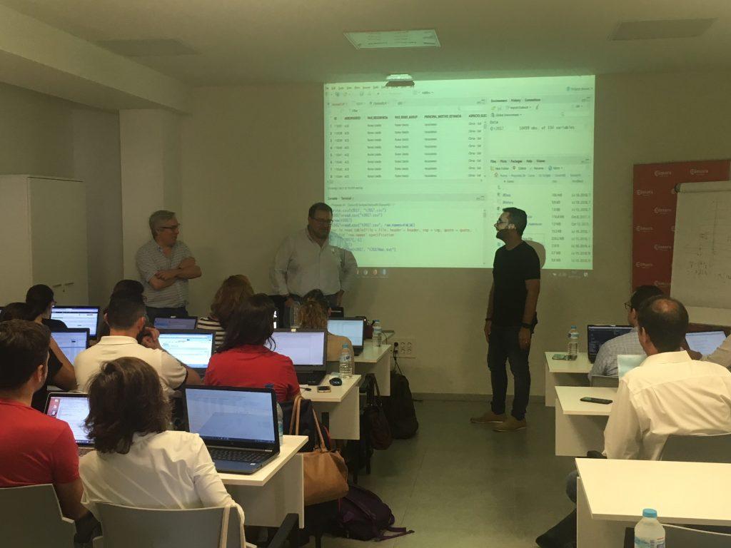 Los Centros y el Colegio Universitario de Estudios Financieros se unen para formar los mejores profesionales del Big Data