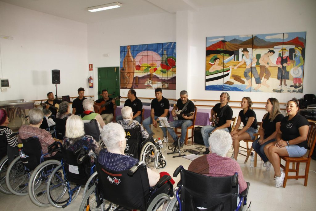 El Cabildo de Lanzarote pone en marcha el proyecto Musicoterapia en la Tercera Edad para mejorar la calidad de vida de los usuarios de las residencias de mayores