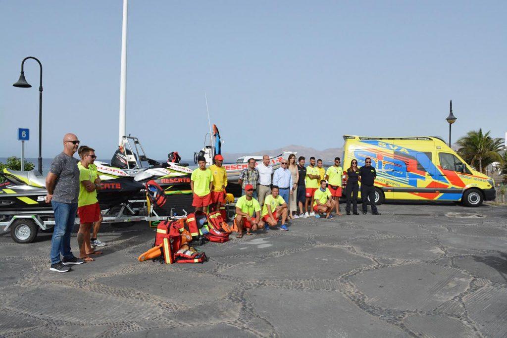 Tías destina 15 socorristas para la vigilancia de las playas de Puerto del Carmen, todos los días del año