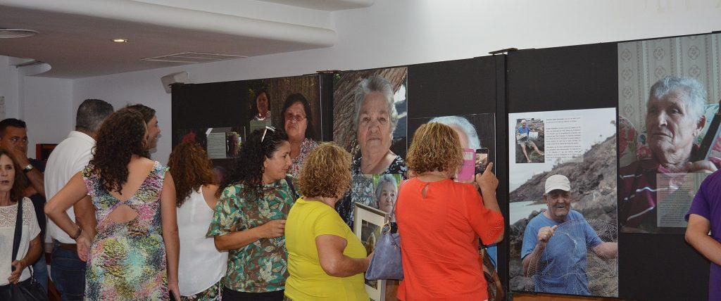 Tías dedica una exposición para dar a conocer la vida de los abuelos de La Tiñosa