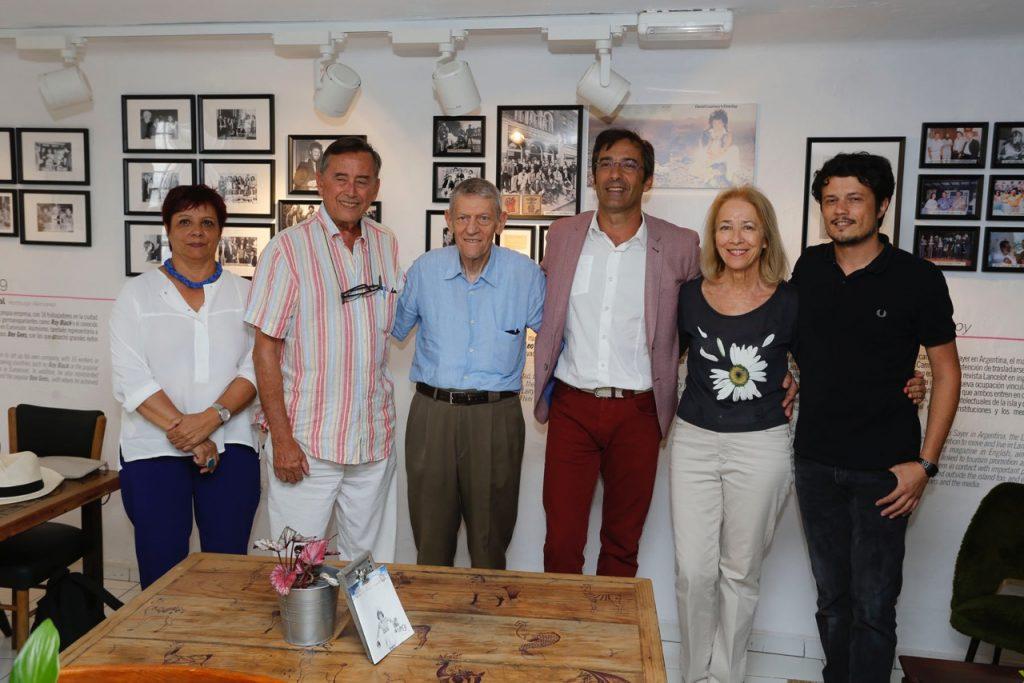 El Cabildo dedica una exposición a Larry Yaskiel, el cazatalentos y amigo de los Bee Ges o Supertramp