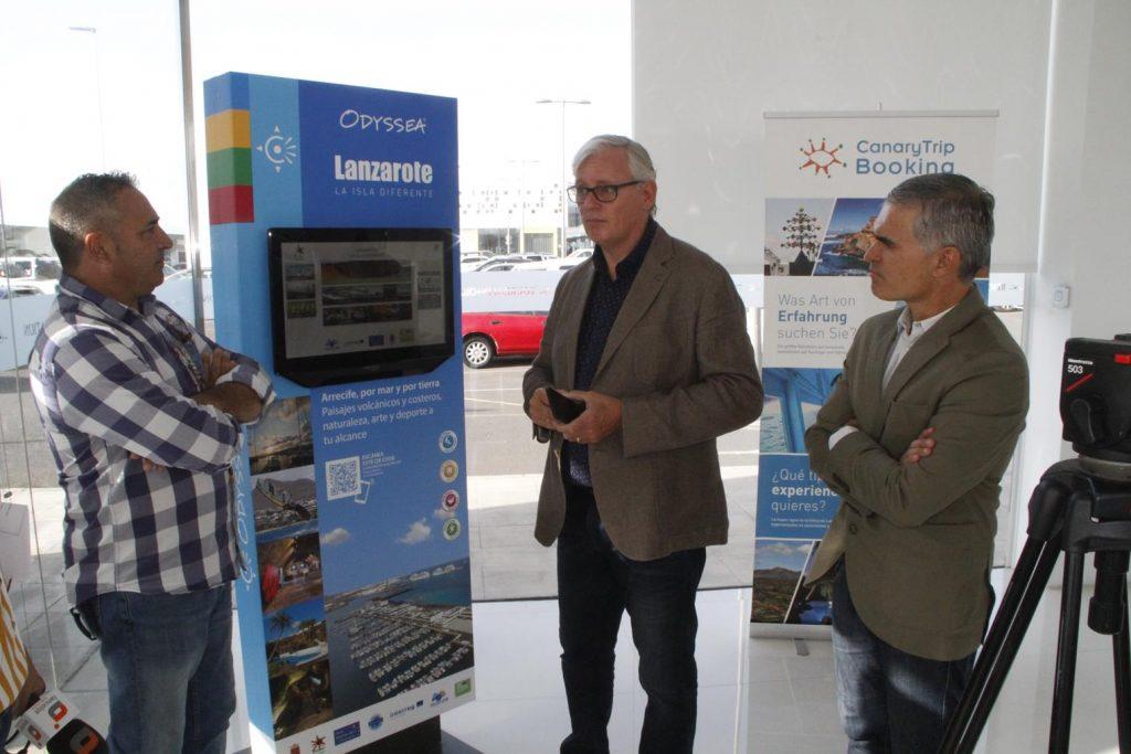Turismo Lanzarote instala en la isla diez pantallas táctiles que ofrecen información turística a través de una Web App