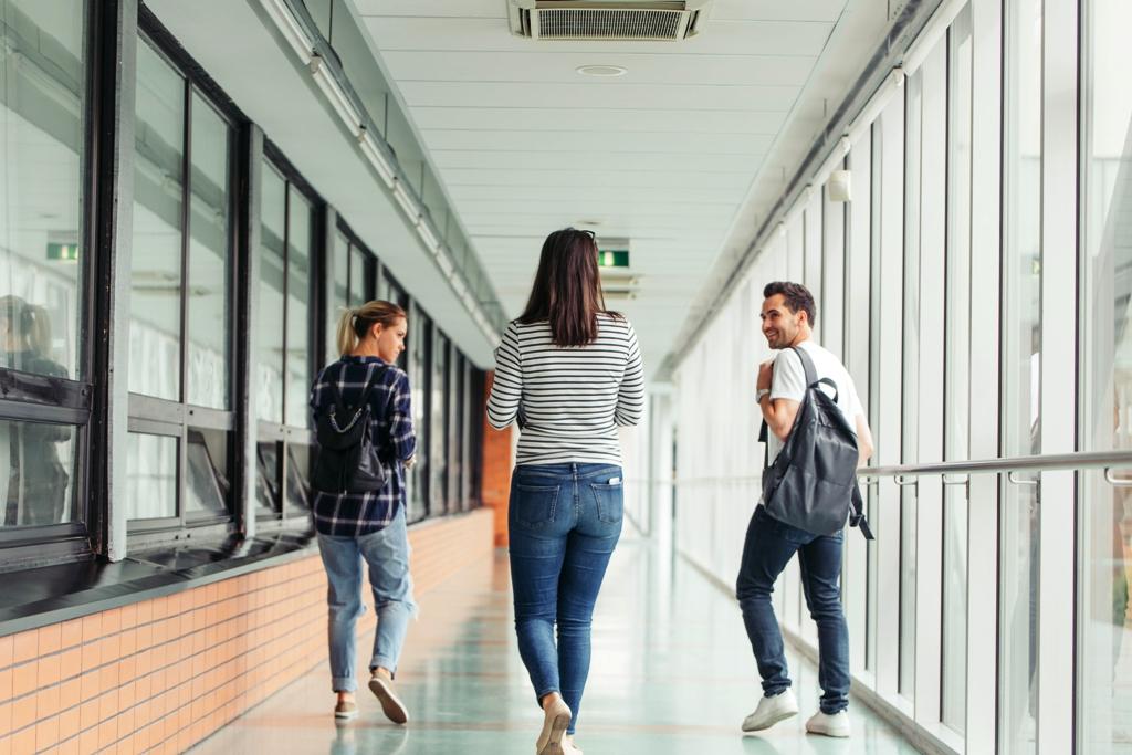 Teguise destina 200 mil euros a ayudas al transporte de estudiantes