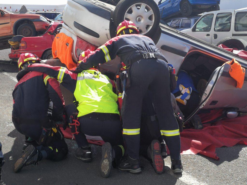 Los bomberos de Lanzarote mejoran su formación con el 'Curso en Accidentes de Tráfico. Nivel 2 avanzado'