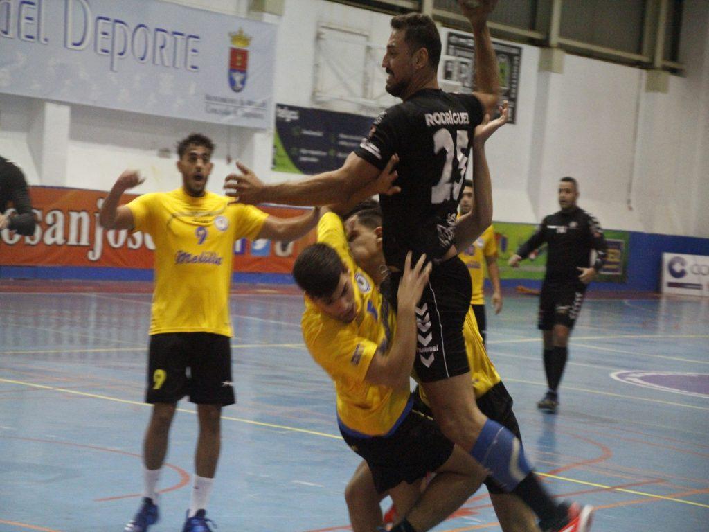 El Gourmet Ampate suma una cómoda victoria ante el CD Melilla (32-22)
