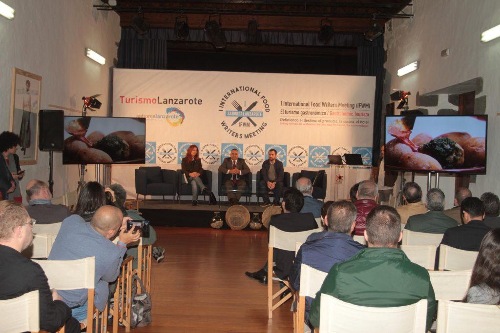Teguise acogió el 'I Congreso Internacional de Periodismo Gastronómico (IFWM)' como preludio del 'VIII Festival Enogastronómico Saborea Lanzarote', que arranca hoy sábado
