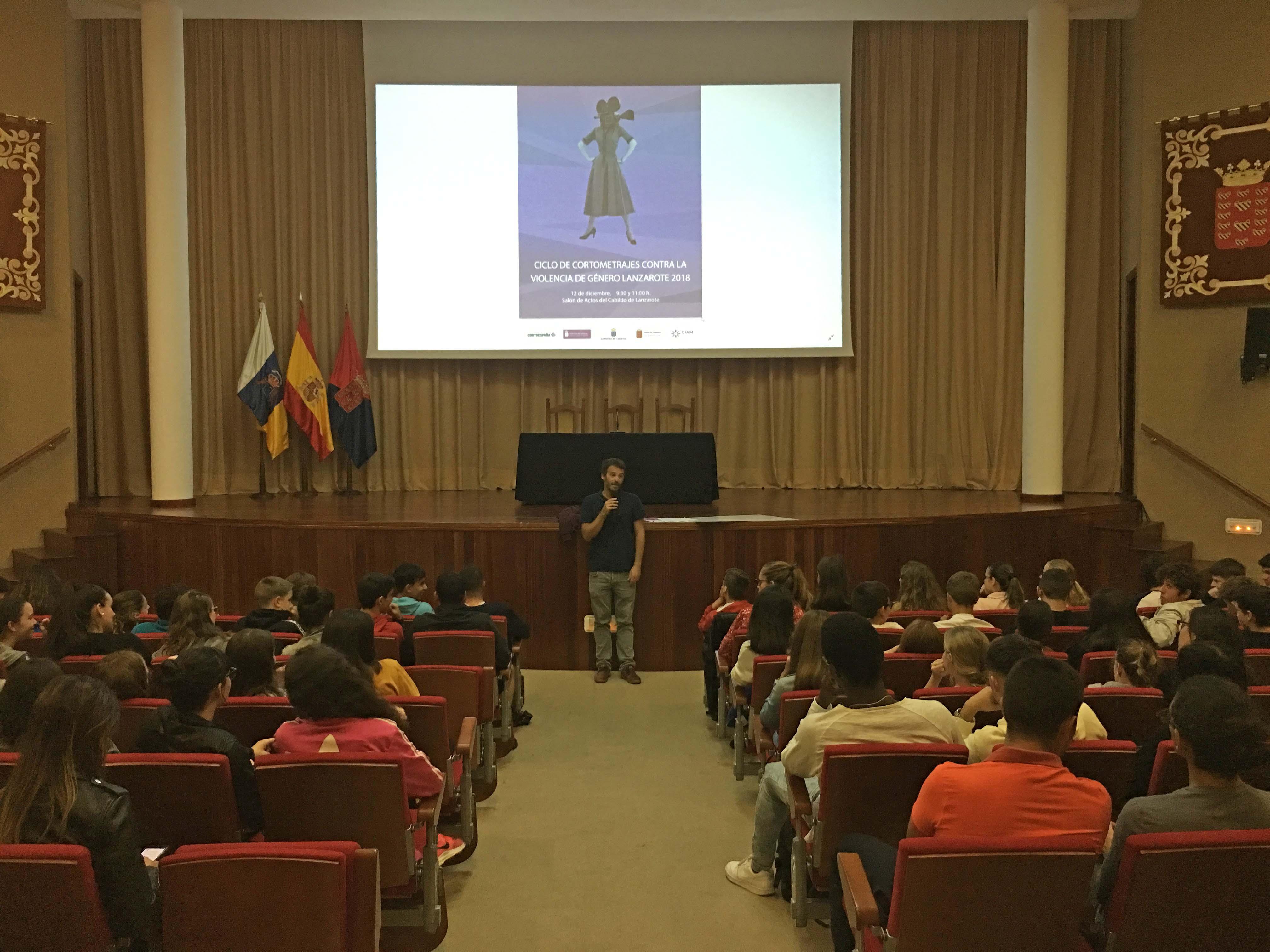 Más de medio centenar de estudiantes asisten al 'Ciclo de Cortometrajes contra la violencia de género 2018'