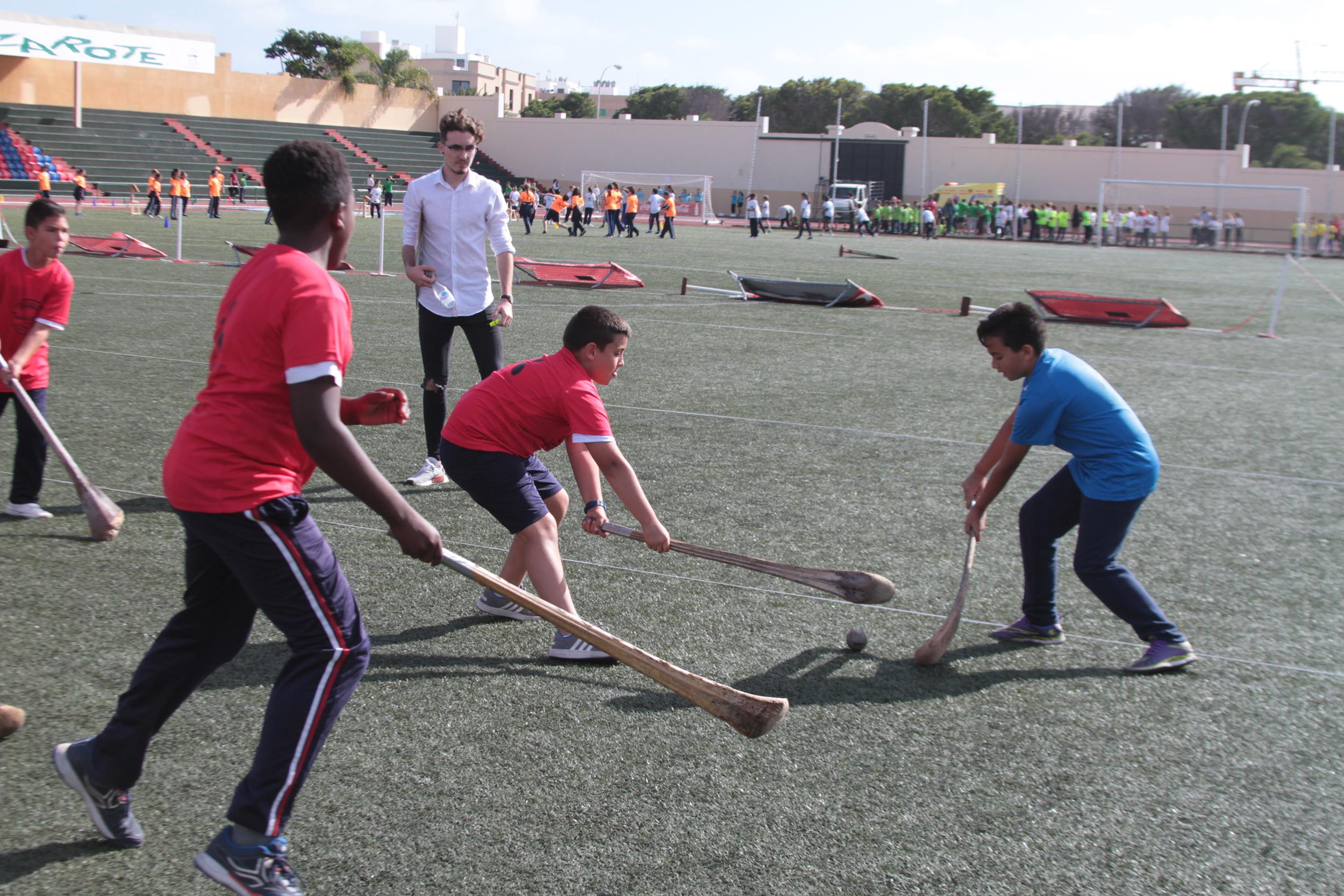 El proyecto divulgativo 'Iniciación a los juegos y deportes tradicionales de Canarias' culmina con una animada y concurrida exhibición en la Ciudad Deportiva
