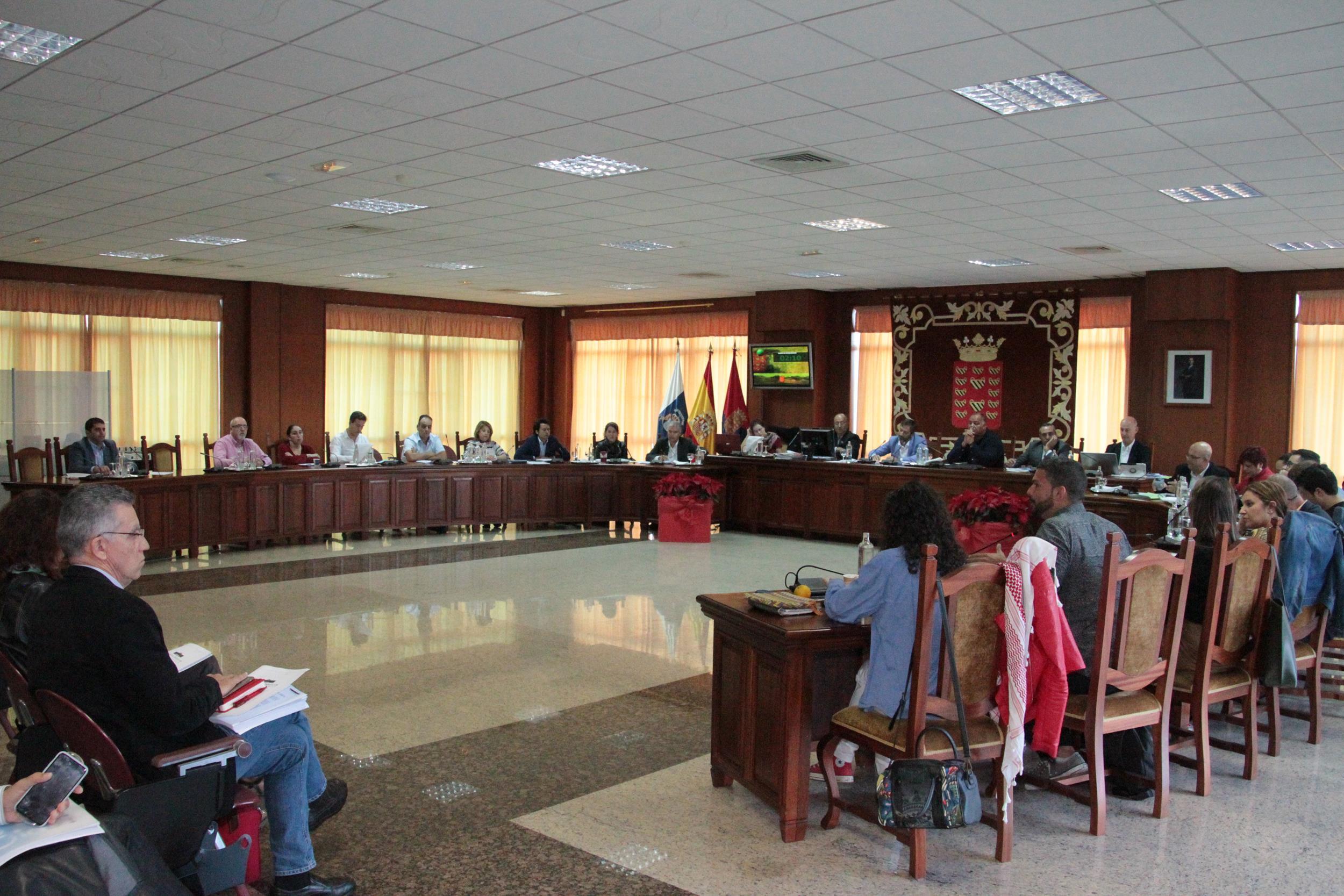 El Pleno del Cabildo aprueba por unanimidad el convenio de integración del Hospital Insular al Servicio Canario de Salud