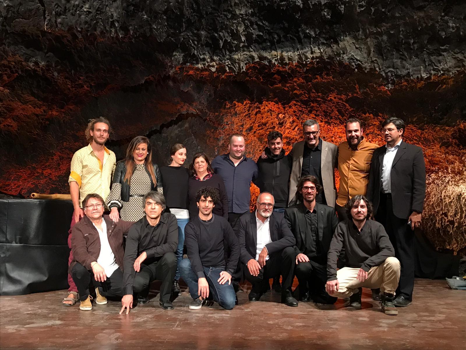 Espectacular clausura del II Festival Internacional 'Guitarras en Haría' en la Cueva de Los Verdes
