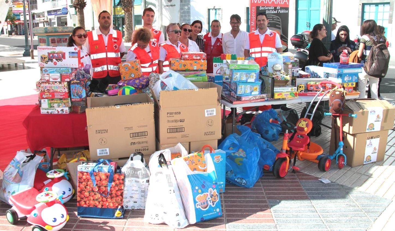 Arrecife recauda más un centenar de juguetes en la II Recogida Solidaria