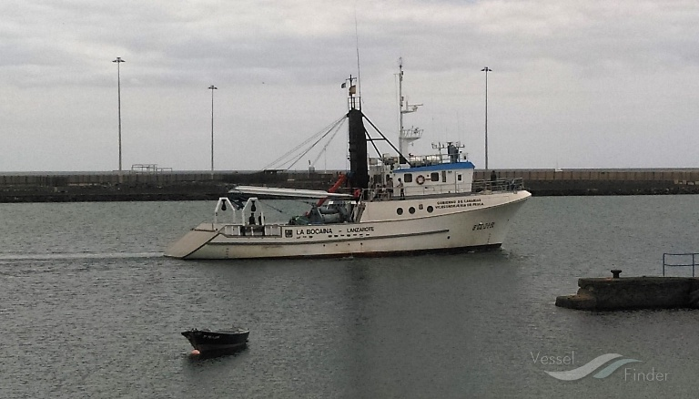 El buque insignia de la Escuela de Pesca regresa a Lanzarote