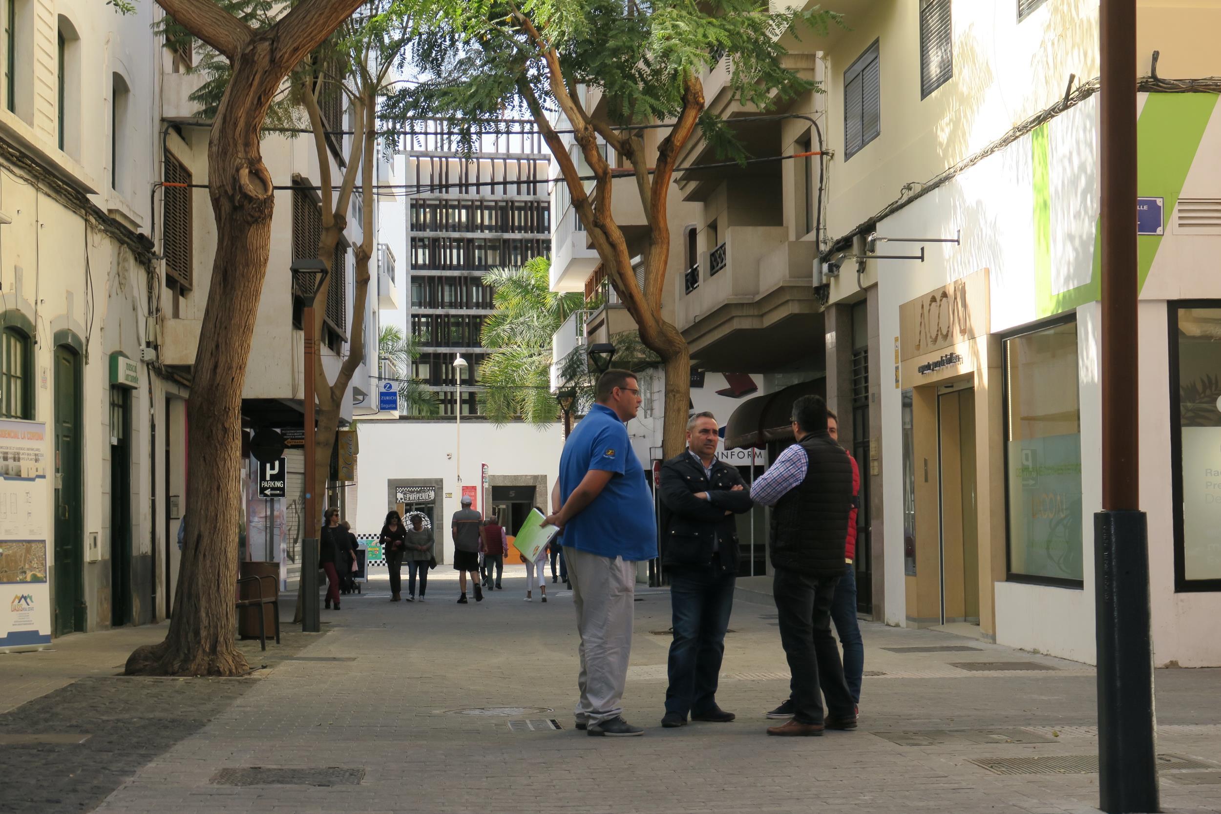 El Cabildo de Lanzarote concluye la renovación y el embellecimiento de la calle Antonio Porlier y Sopranis en Arrecife
