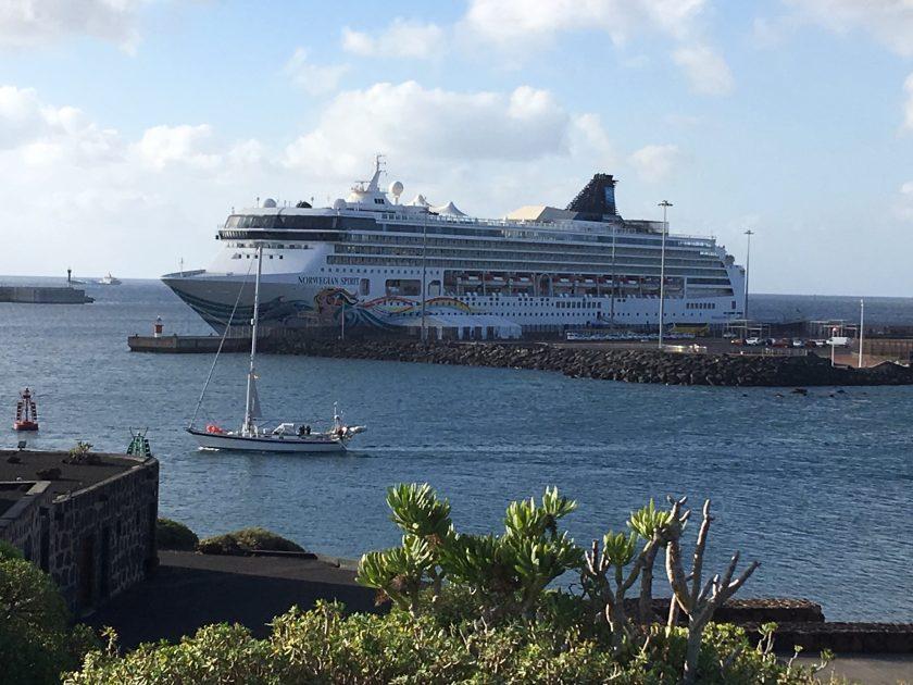 4.000 cruceristas visitan hoy Arrecife en los buques Norwegian Spirit y AidaStella