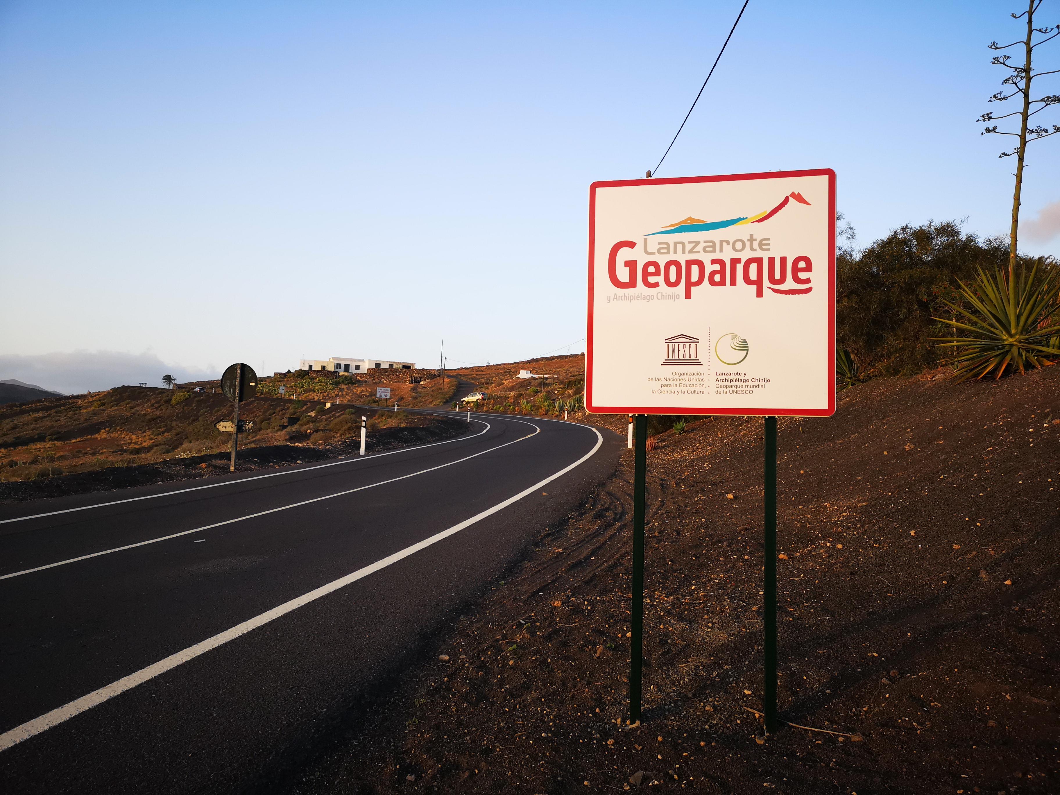 La Fundación César Manrique rechaza la instalación de vallas publicitarias en distintos puntos de la isla por Geoparque Lanzarote y Archipiélago Chinijo