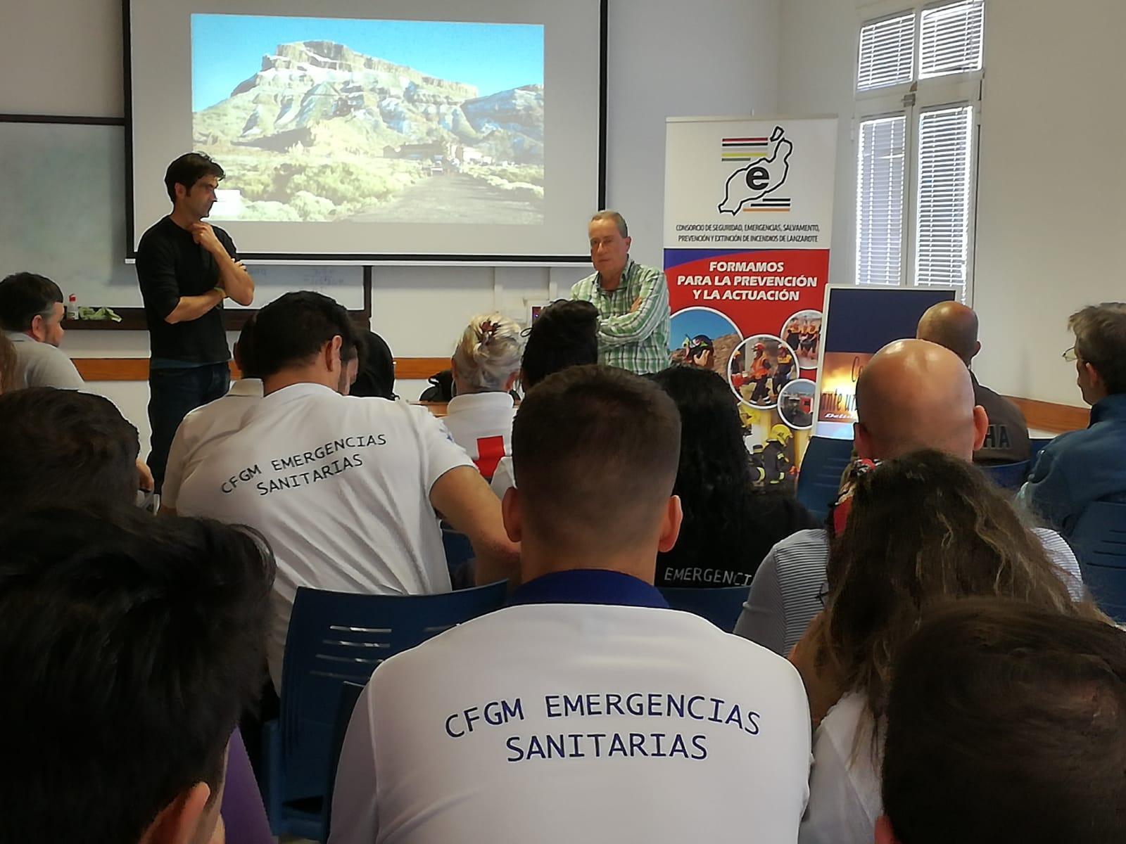 Medio centenar de alumnos del IES Zonzamas participaron en la 'Campaña de difusión del grupo de Emergencias y Salvamento' que organiza el Consorcio de Seguridad