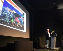 Castro Borrego presenta su nueva obra César Manrique bajo el volcán, con enorme éxito de público