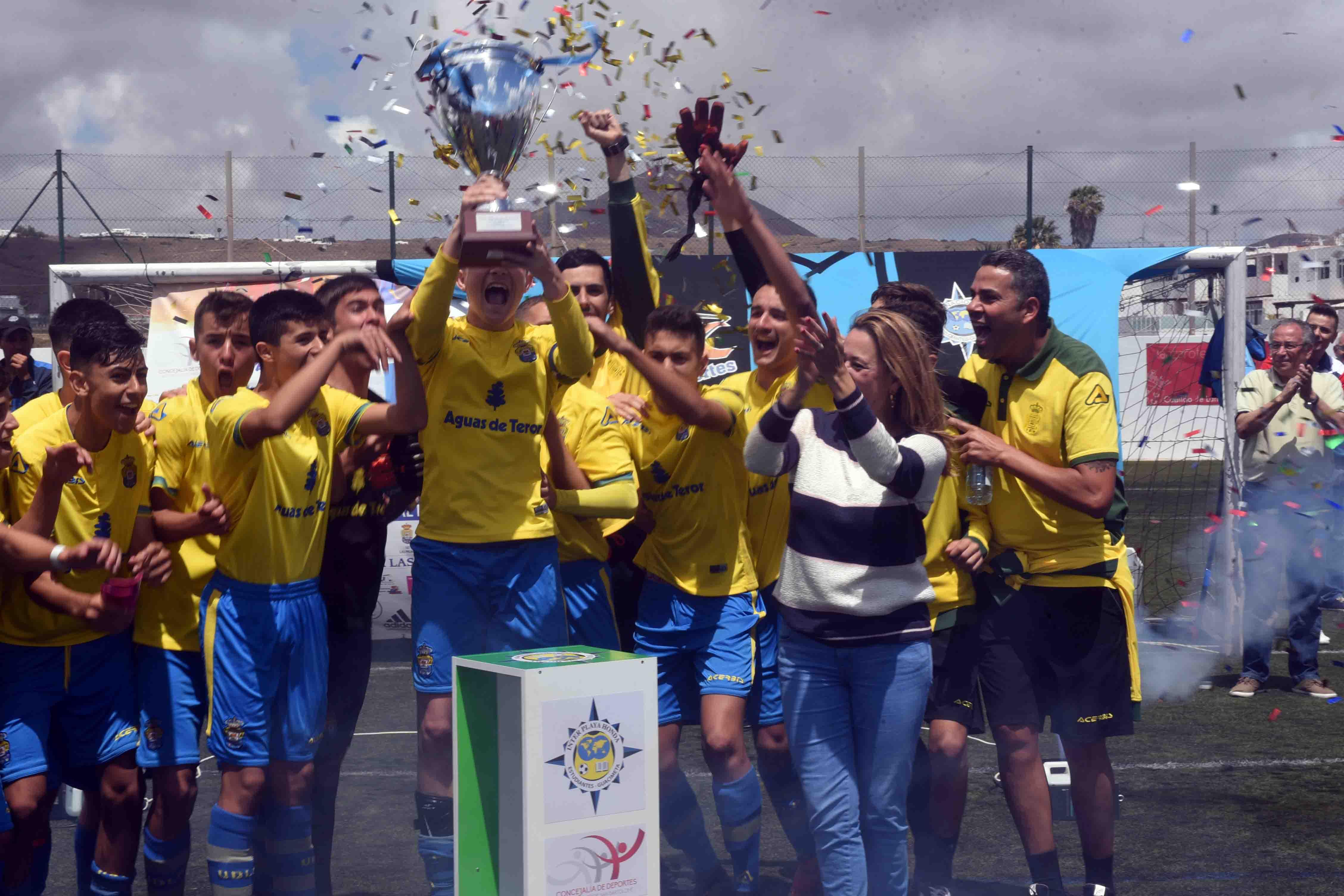 La UD Las Palmas gana el 'II Torneo Cadete de Fútbol de San Bartolomé'