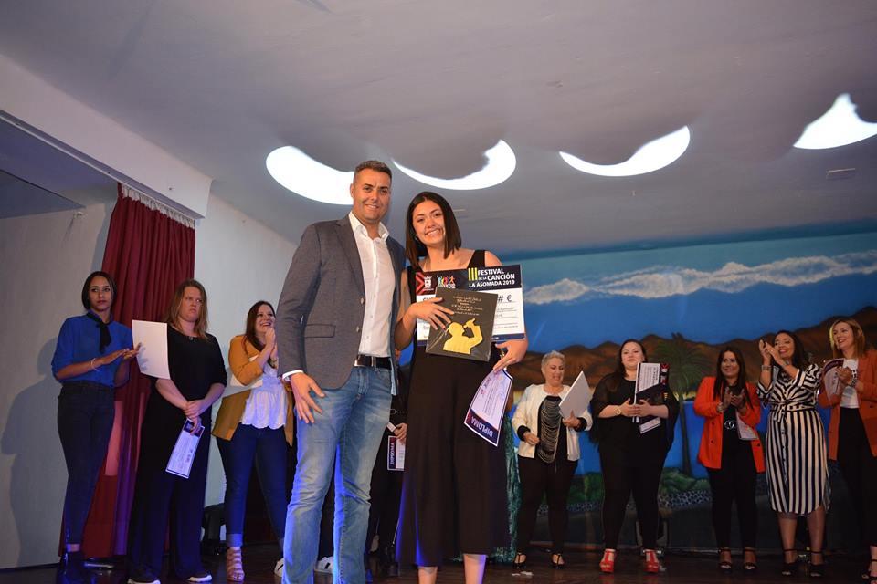 La joven Paola Lira gana la tercera edición del Festival de la Canción de La Asomada