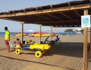 Playa Grande, en Puerto del Carmen, logra la nota más alta por los buenos servicios públicos entre las playas de Canarias