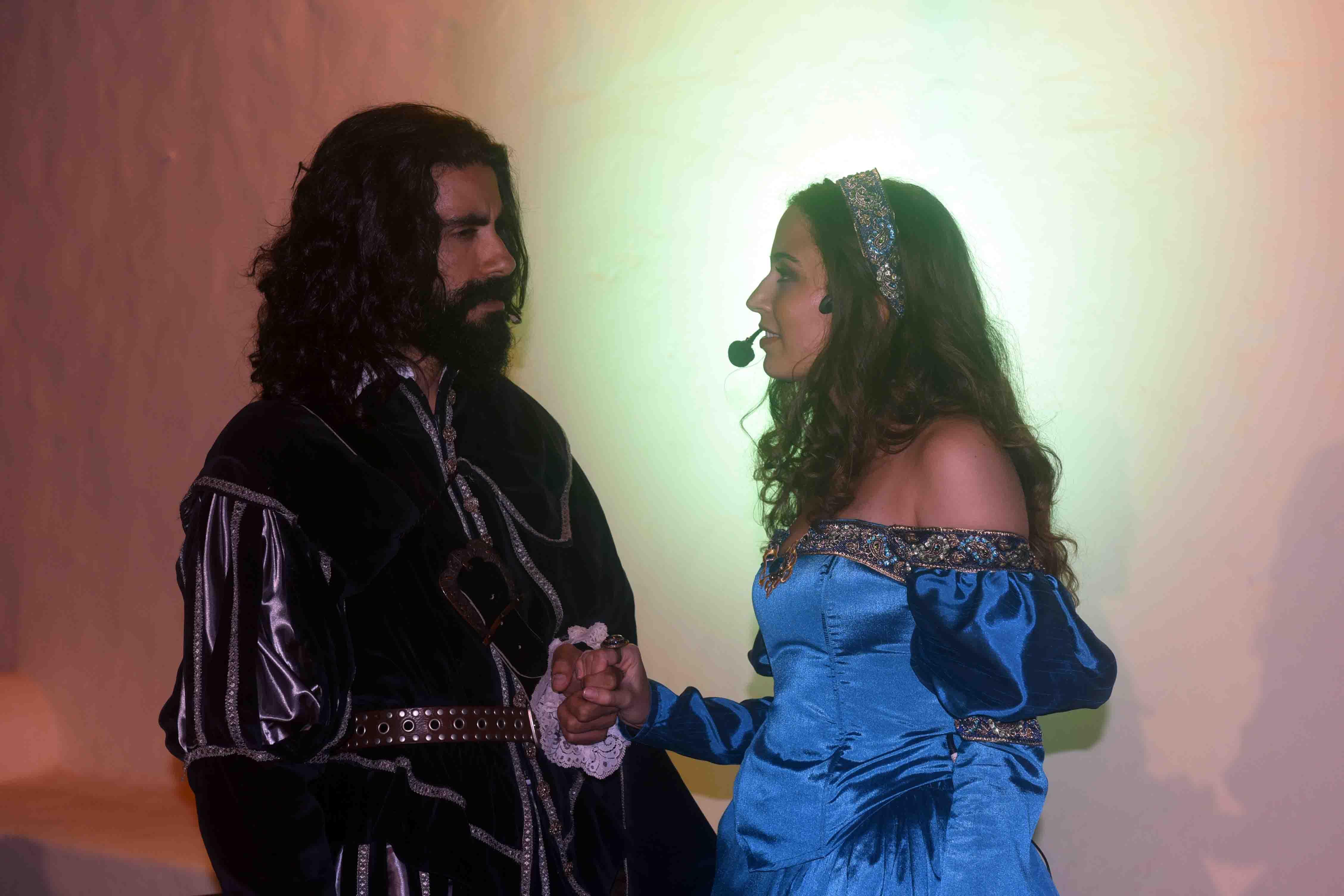 La Casa Ajei acogió cuatro escenas de 'Don Juan Tenorio' representadas magistralmente por 'Timaginas Teatro