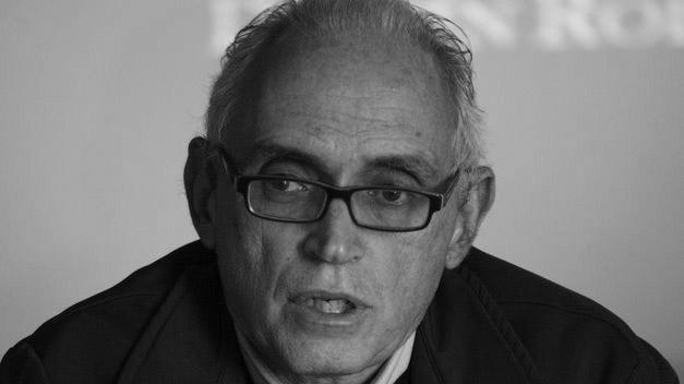 Fernando Castro Borrego, el biógrafo de César Manrique y catedrático de Historia del Arte, visita la exposición 100 años, Lanzarote y César en El Almacén