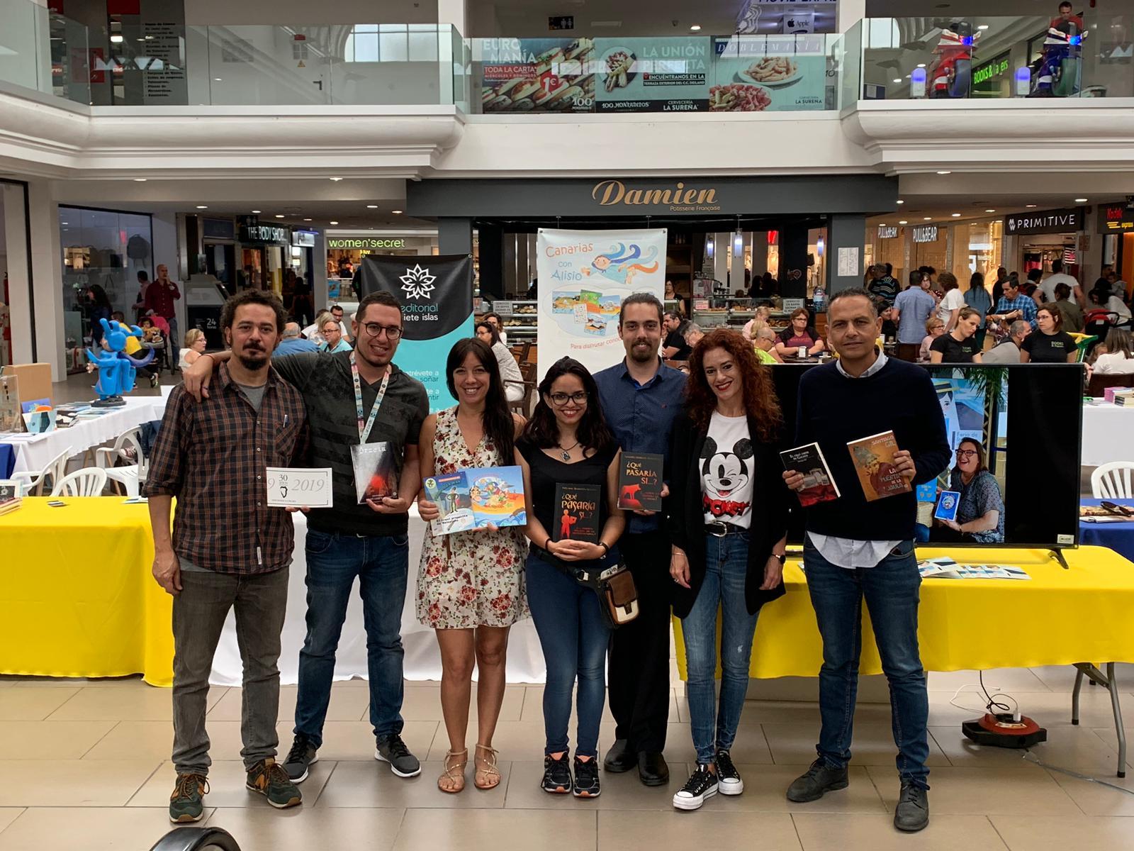 Éxito de asistentes a la primera feria de literatura canaria de Lanzarote