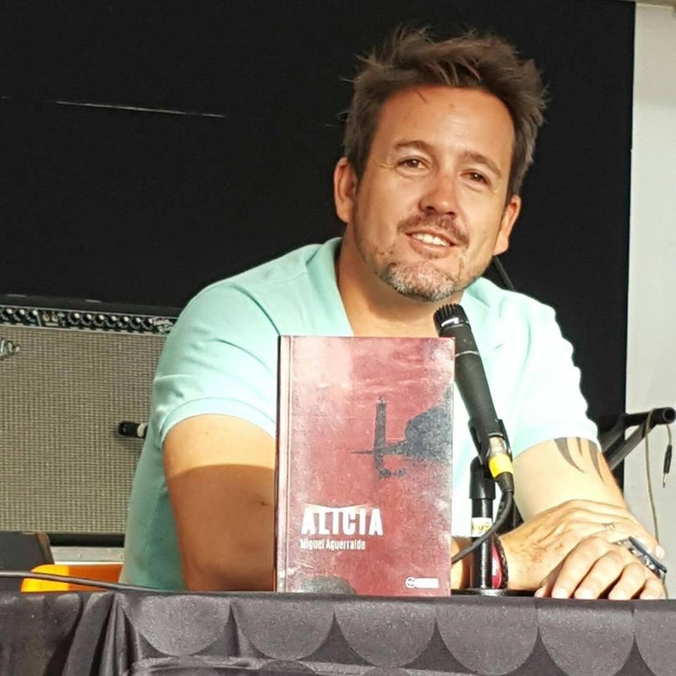 Miguel Aguerralde presenta su libro Todo aquello que no te dije en la Casa de la Cultura Agustín de la Hoz